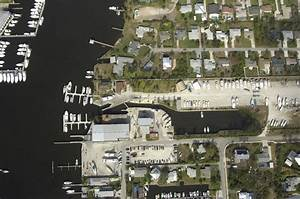 Hinckley Yacht Services Stuart Slip Dock Mooring