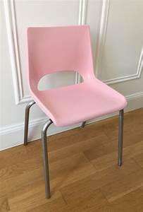 Petite Chaise En Plastique : petite chaise d 39 colier ann es 70 luckyfind ~ Teatrodelosmanantiales.com Idées de Décoration