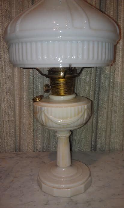 Aladdin Kerosene Lamp/Lincoln Drape