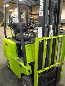 3 000 Lb Clark Model C500-30 Solid Tire Forklift W   130 U0026quot  Lift  11988