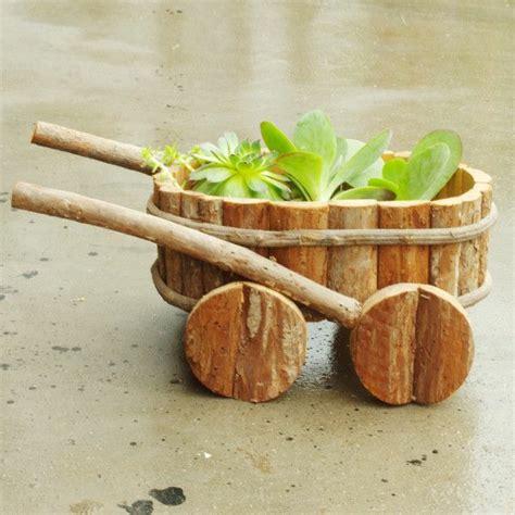 Ideen Aus Holz Für Den Garten by Kreative Ideen F 252 R Blument 246 Pfe In Ihrem Garten Archzine Net