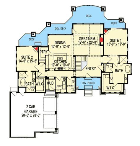 craftsman house plan   master suites iy