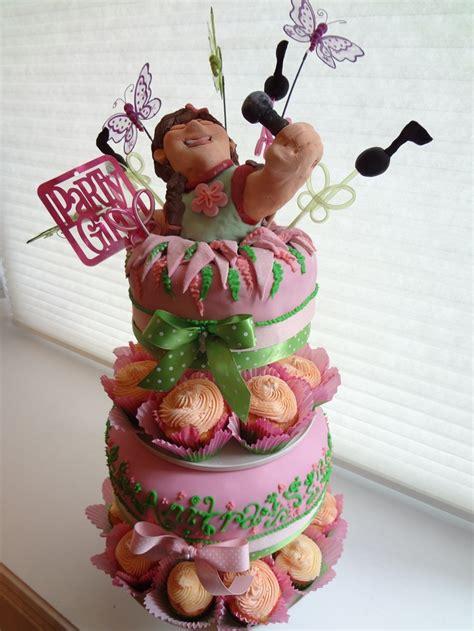 Singer Birthday Cake  Cakes For Mom  Pinterest Singers
