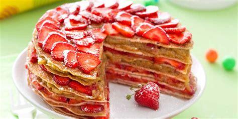 la cuisine actuelle gâteau de crêpes fraises rhubarbe recettes femme actuelle