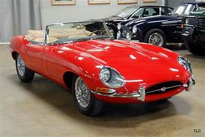 Jaguar Tipe E : 1965 jaguar e type roadster ~ Medecine-chirurgie-esthetiques.com Avis de Voitures