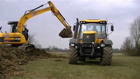 Jcb Js 130 Digger And Fastrac