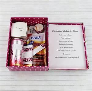 Weihnachtsgeschenk Für Mutter : sch ne diy geschenkidee f r frauen wellness paket kleine geschenkideen pinterest ~ Frokenaadalensverden.com Haus und Dekorationen