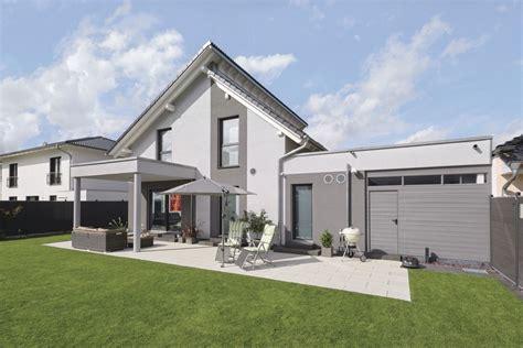 Anbau Mit Flachdach by Pultdach Haus Modern Mit Flachdach Anbau Und Terrasse