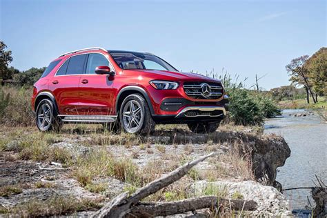 Price details, trims, and specs overview, interior features, exterior design, mpg and mileage capacity, dimensions. 2019 Mercedes-Benz GLE-Class SUV: Review, Price, New Interior Features, Exterior Design, and ...