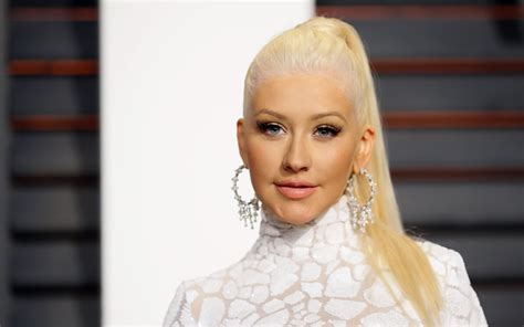 christina Aguilera lands In Morocco Moroccan Ladies