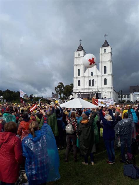 LSK nodrošina pirmo palīdzību Aglonā un Rīgā Pāvesta ...