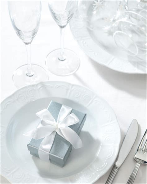 Holiday Dinner Party Table Favors