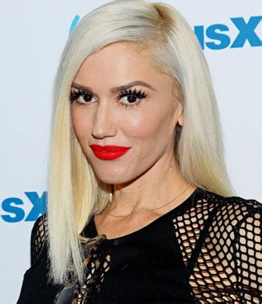 13 Natural Face Pictures of Gwen Stefani without Makeup