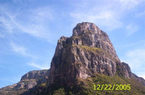 foto monolito de piedra en temoris chihuahua mexico