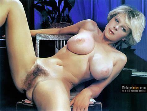Vintage Blonde Trap2