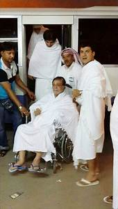 Kader Khan leaves for Mecca to perform Haj - Bollywood Hungama