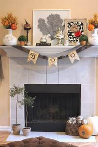 Our Spooktacular Halloween Mantel
