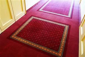 Schallschutz Unter Teppich : fu bodenheizung unter dem teppich verlegen so geht 39 s ~ Markanthonyermac.com Haus und Dekorationen