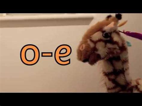 Geraldine The Giraffe Learns Oe Youtube