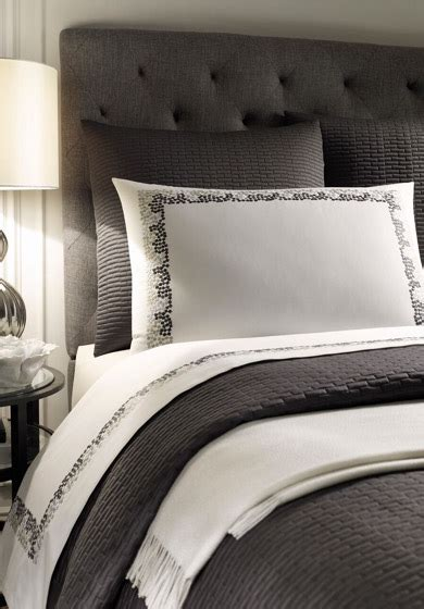 Léron  Custom Bespoke Bed Linens Pebbles