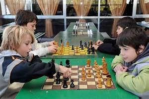 Image Gallery jugar ajedrez