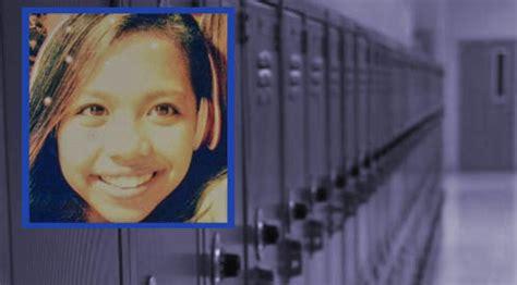 year  girl hangs   cyber bullying social