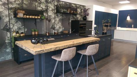 plateau cuisine bois distributeurs cuisine salle de bain aménagement rhône