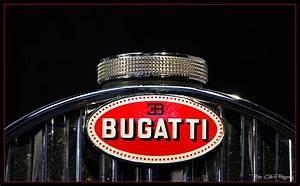 New Car Photo: Bugatti logo