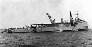 Spiegel Groß Weiß : file uss spiegel grove lsd 32 with landing craft in wikimedia commons ~ Markanthonyermac.com Haus und Dekorationen