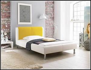 Bett 140x200 Mit Lattenrost : bett 140x200 mit matratze und lattenrost gebraucht ~ Lateststills.com Haus und Dekorationen