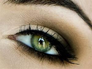 Maquillage Mariage Yeux Vert : maquillage comment mettre en valeur des yeux verts ~ Nature-et-papiers.com Idées de Décoration