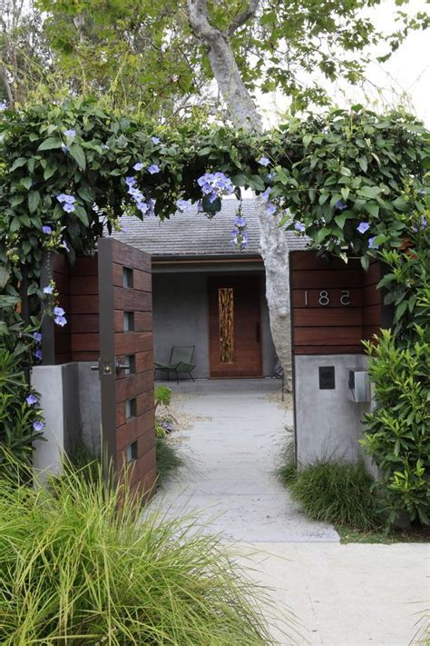 courtyard entry entry contemporary with contemporary