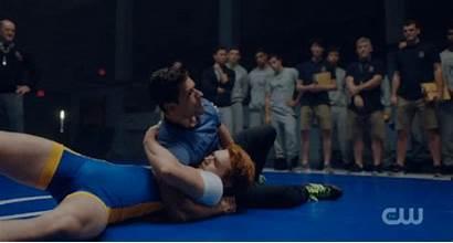 Wrestling Archie Apa Kj Riverdale Mark Consuelos