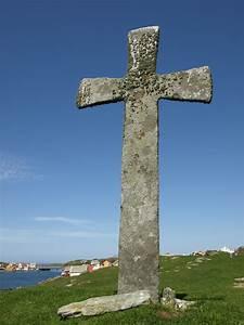 File:Stone cross, Leiasundet, Kvitsøy Rogaland.jpg ...