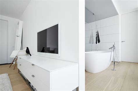 4 Ultra Luxurious Interiors Decorated In Black And White by 1000 Images About Bathroom Designs On Vanity
