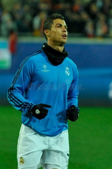 Tr.beinsports.com web sitesi içerisindeki her türlü yazılı ve görsel (video, fotoğraf, vs) içeriğin bilgisayara indirilmesi (download edilmesi), kopyalanması, çoğaltılması, bir web sitesinde veya diğer herhangi bir mecrada yayınlanması, bir web sitesinin içinde. FC Shakhtar Vs FC Real Madrid Editorial Stock Image ...