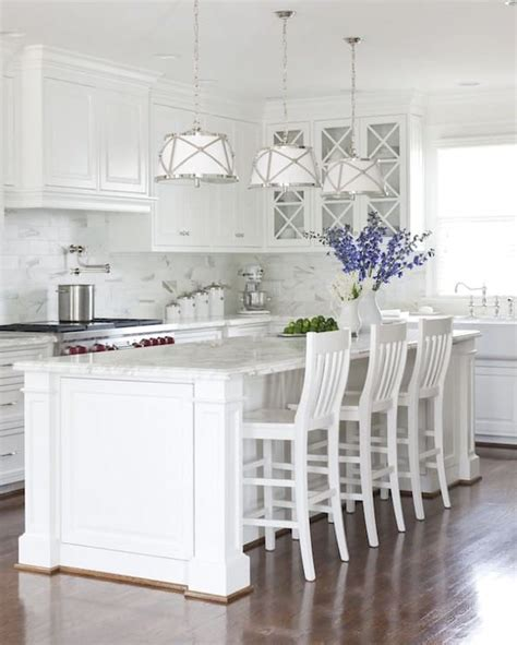 choosing   white paint color   kitchen cabinets