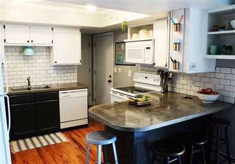 kitchen backsplash subway tiles how to install a subway tile kitchen backsplash 5063