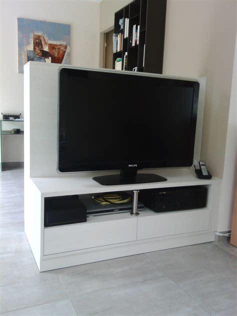 meuble séparateur de pièce meuble tv en s 233 paration de pi 232 ces le kiosque amenagement