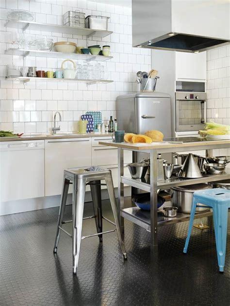 idee etagere cuisine idée décoration cuisine avec rangements ouverts