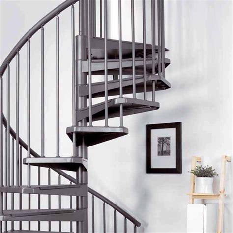 escalier colima 231 on en fonte photo 3 10 on aime beaucoup le gain de place et les coloris