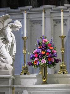 20 best images about wedding alter flower arrangements on for Wedding ceremony flower arrangements altar