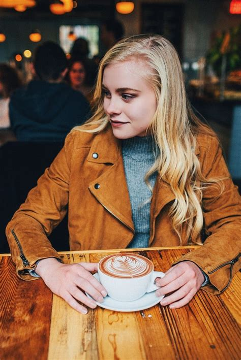 coffee shop photoshoot fashion inspo coffee shop