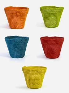 Free Pattern  Written And Chart  For These Cute Little Pot