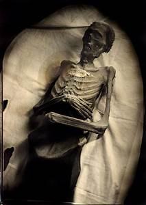 Robb Kendrick  Mexican Mummy  7