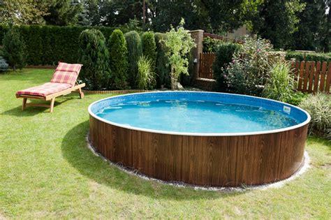 Pool Holzverkleidung Selber Bauen holzverkleidung f 252 r den pool selber bauen 187 ideen tipps
