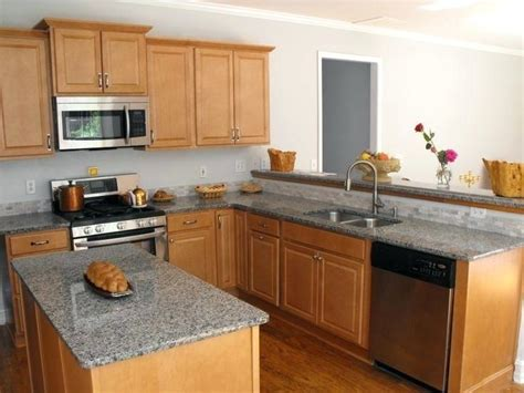 what color countertops go with maple cabinets bookify