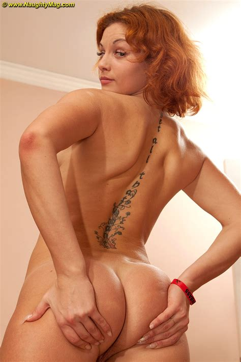 Redhead Amateur Peach Uncovers Her Firm Breasts As She