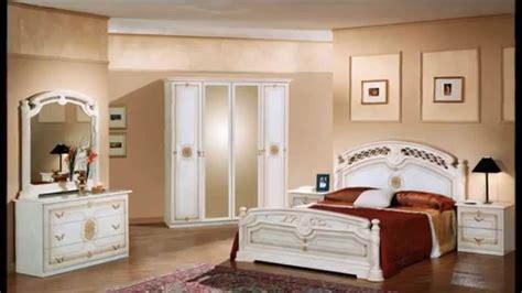 chambre à coucher simple modele de chambre a coucher en bois