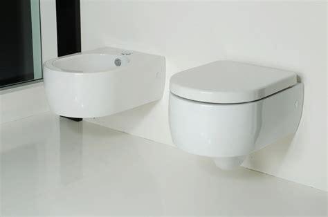 FLO Kerasan : SAPHO bathrooms